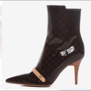Authentic Louis Vuitton Gina Pointy ankle booties